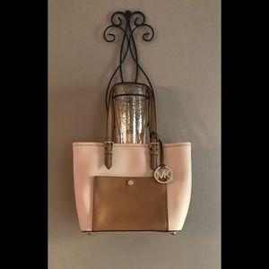 Beautiful Michael Kors Shoulder Bag perfect
